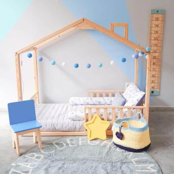 Cama casinha infantil com grades para crianças