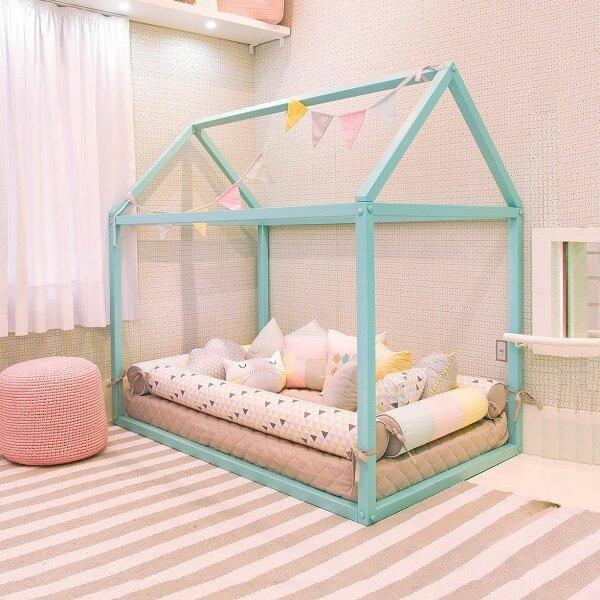 Cama montessoriana para quarto infantil casinha