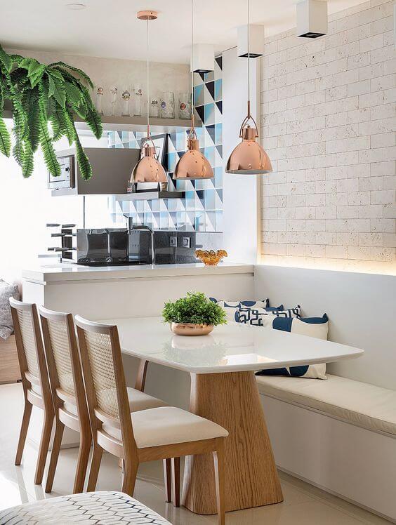 Centro de mesa de jantar com plantas