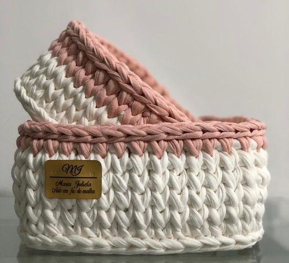 cesto de crochê - cesto de crochê branco e rosa - Tua Casa