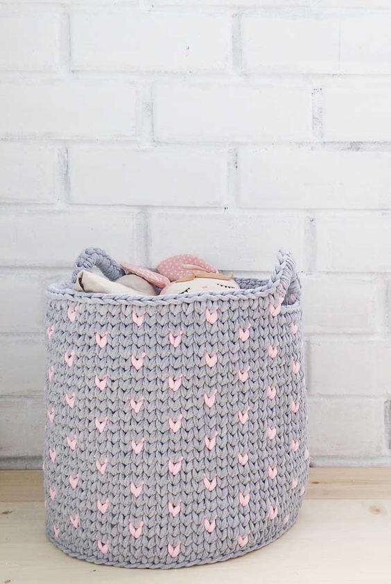 cesto de crochê - cesto de crochê cinza e rosa