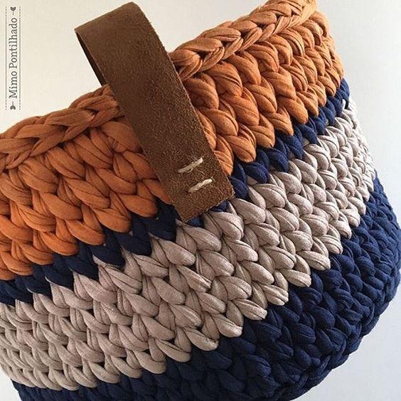 cesto de crochê - cesto de crochê com alça de couro