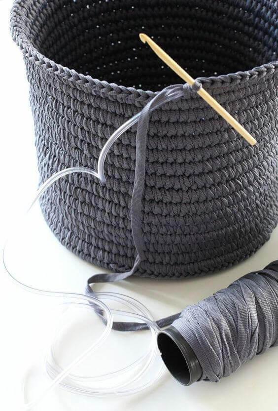 cesto de crochê - cesto de crochê sendo feito
