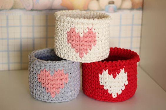 cesto de crochê - cestos de crochê com coração
