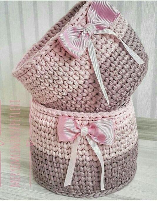 cesto de crochê - cestos de crochê em tons pastéis