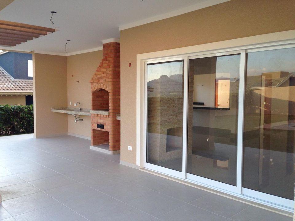 churrasqueira de tijolo - área externa simples com churrasqueira
