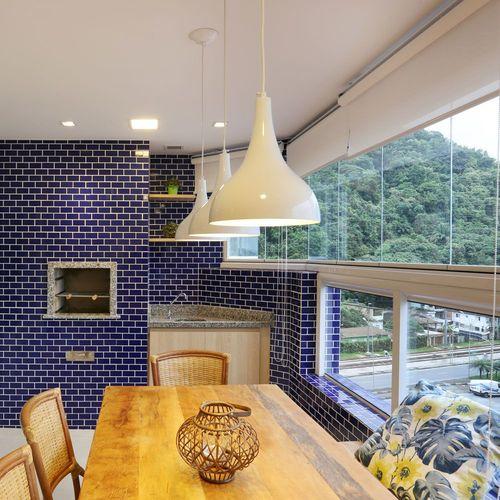 churrasqueira de tijolo - churrasqueira com revestimento azul