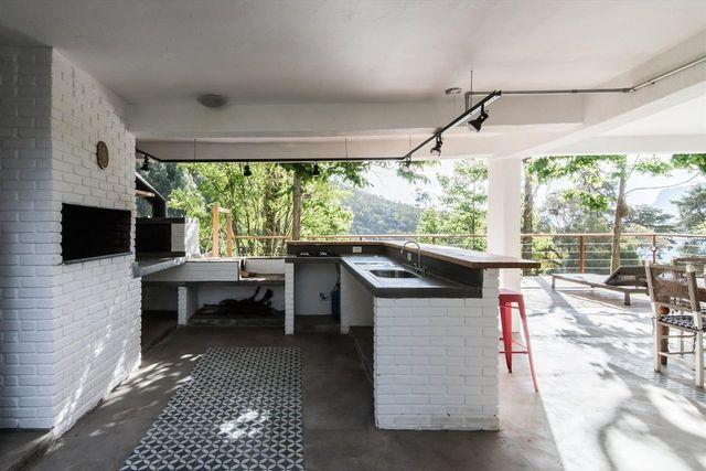 churrasqueira de tijolo - churrasqueira com tijolinho branco e tapete cina