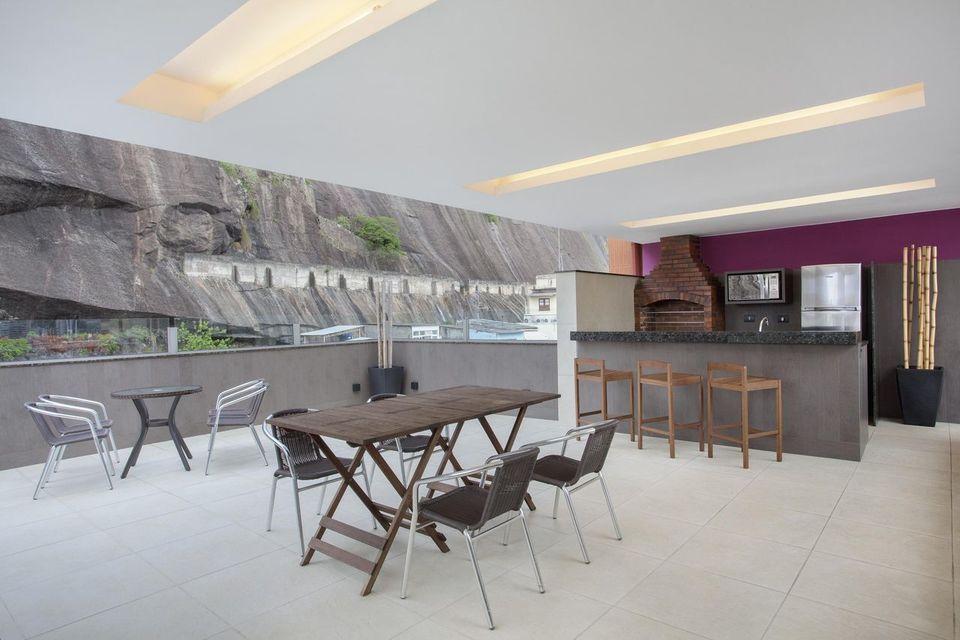 churrasqueira de tijolo - churrasqueira de tijolinho em área externa grande