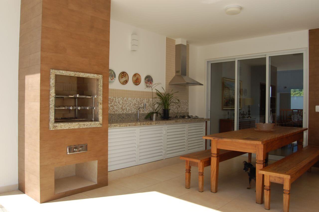 churrasqueira de tijolo - churrasqueira de tijolinhos revestido em lâmina de madeira