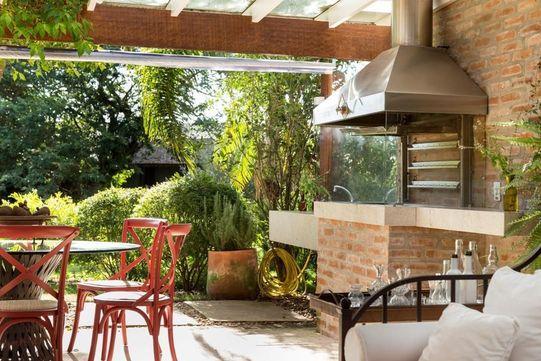 churrasqueira de tijolo - varanda gourmet com churrasqueira