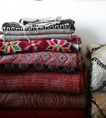 Cobertores na cor marsala