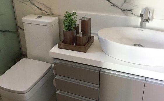 cor fendi - banheiro simples fendi