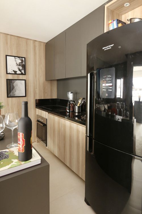 cor fendi - cozinha com armários fendi
