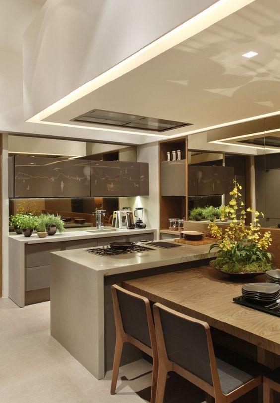 cor fendi - cozinha com bancada fendi