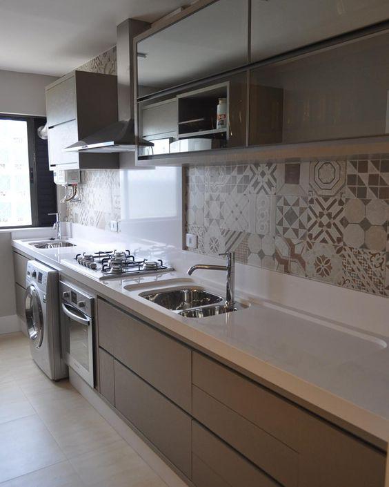 cor fendi - cozinha fendi simples