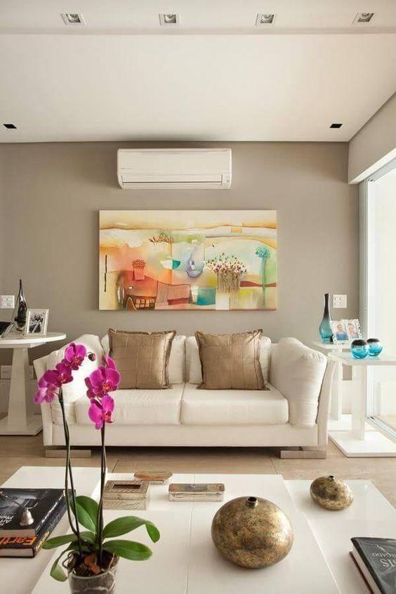 cor fendi - sala com parede fendi