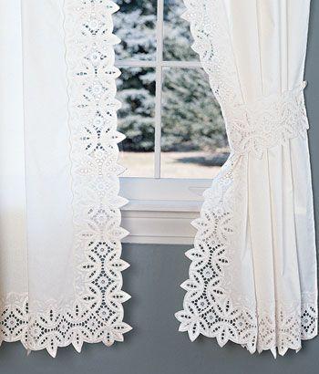 cortina de renda - cortina de renda com detalhes nas extremidades