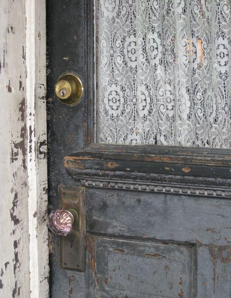 cortina de renda - porta com cortina de renda