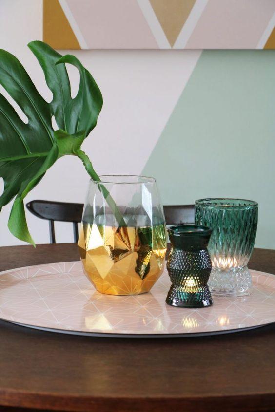costela de adão - folha de monstera em vaso dourado