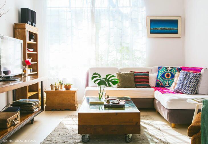 costela de adão - sala de estar com montera em mesa de centro