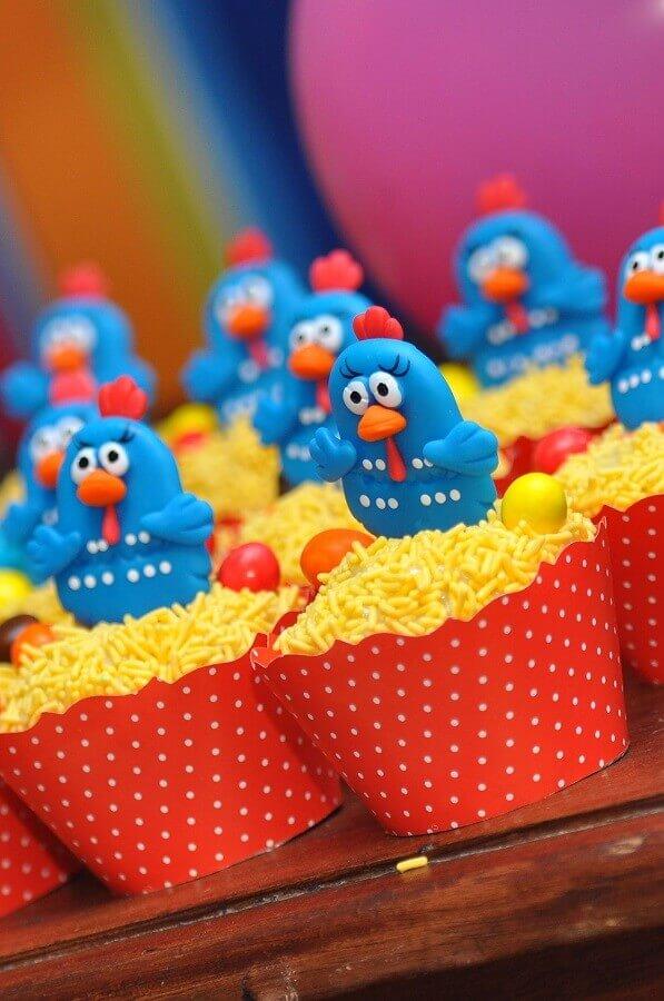 cupcake decorado para festa de aniversário da galinha pintadinha Foto Webcomunica