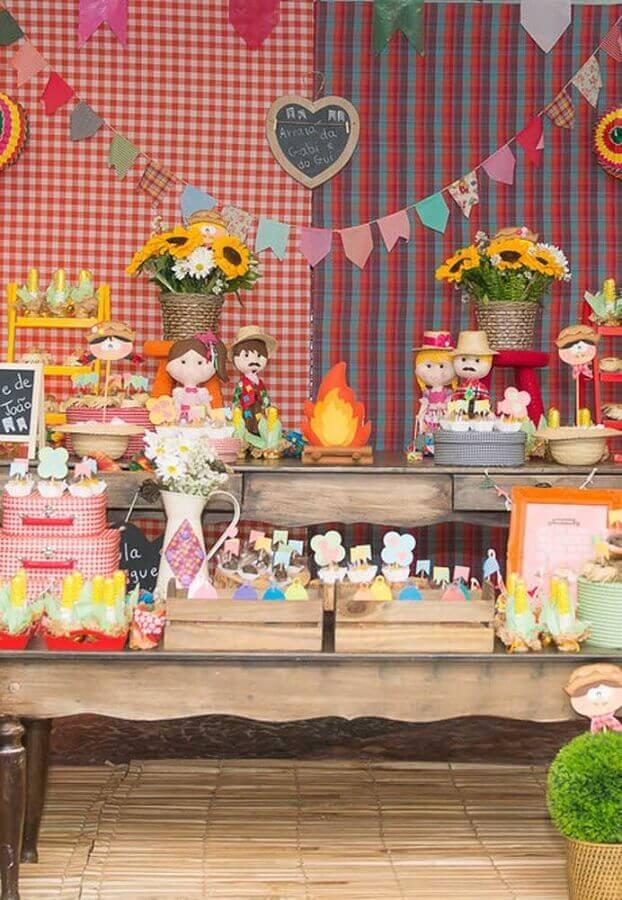 decoração caipira para tema de festa de aniversário infantil Foto Pinosy