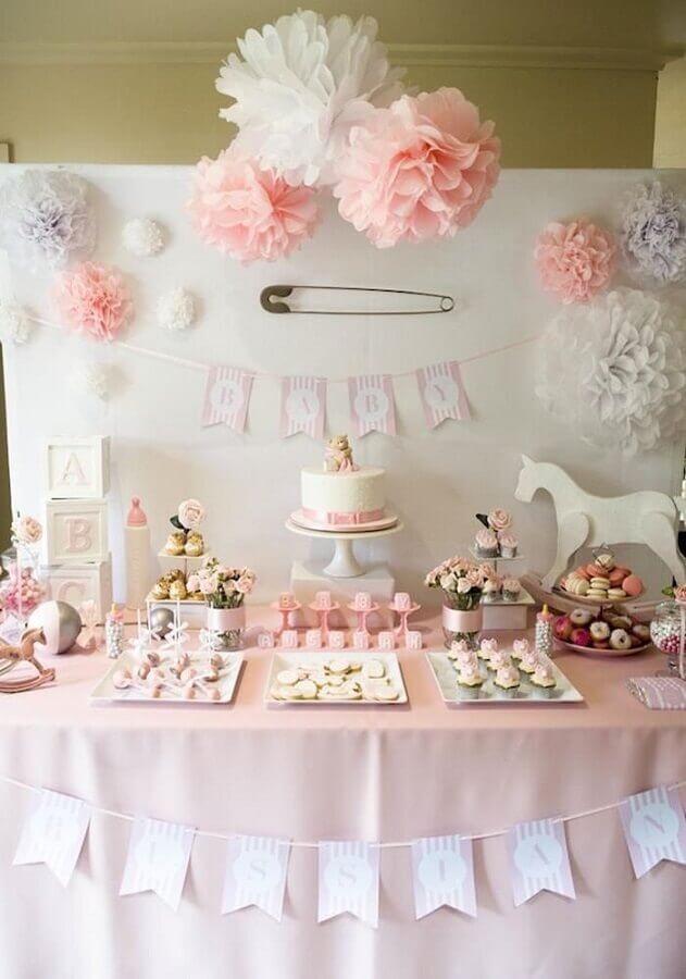 decoração chá de fraldas feminino branco e rosa  Foto The Strugglers