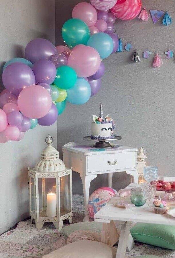 decoração com balões para festa unicórnio - tema de aniversário de menina Foto Why Santa Claus