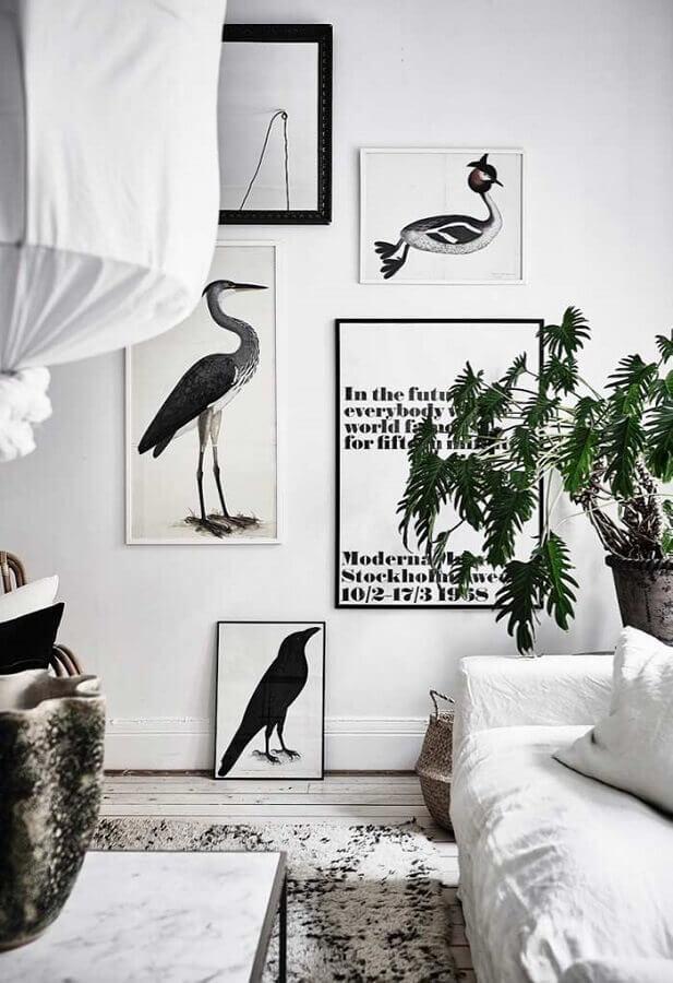 decoração com quadros para ambiente preto e branco Foto Pinosy