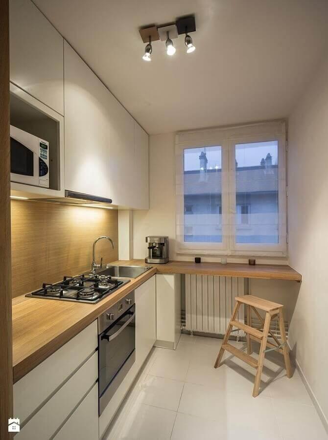decoração cozinha pequena com bancada de madeira e forno elétrico embutir Foto Pinterest