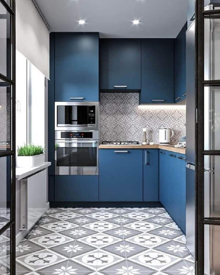 decoração cozinha planejada azul e forno elétrico embutir Foto AuthGram
