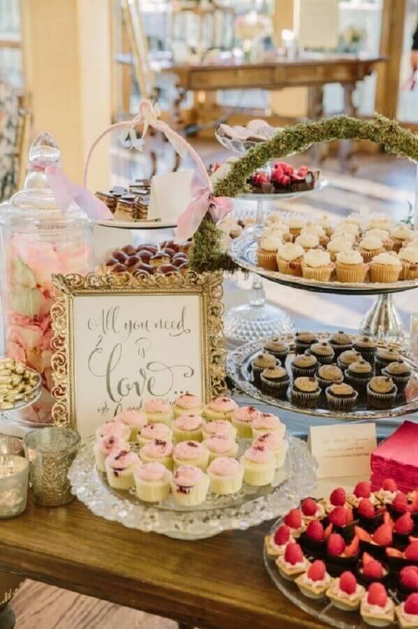 decoração de casamento com mesa de guloseimas Foto Table Ideas