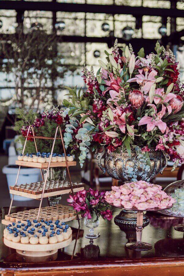 decoração de casamento marsala e rosa