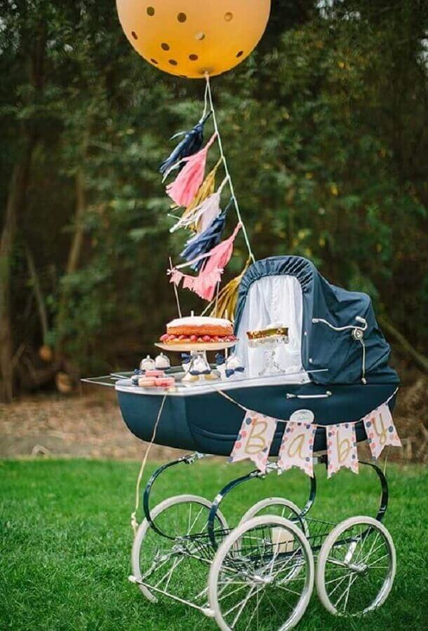 decoração de chá de fralda com carrinho de bebê Foto Baby Shower Ideas