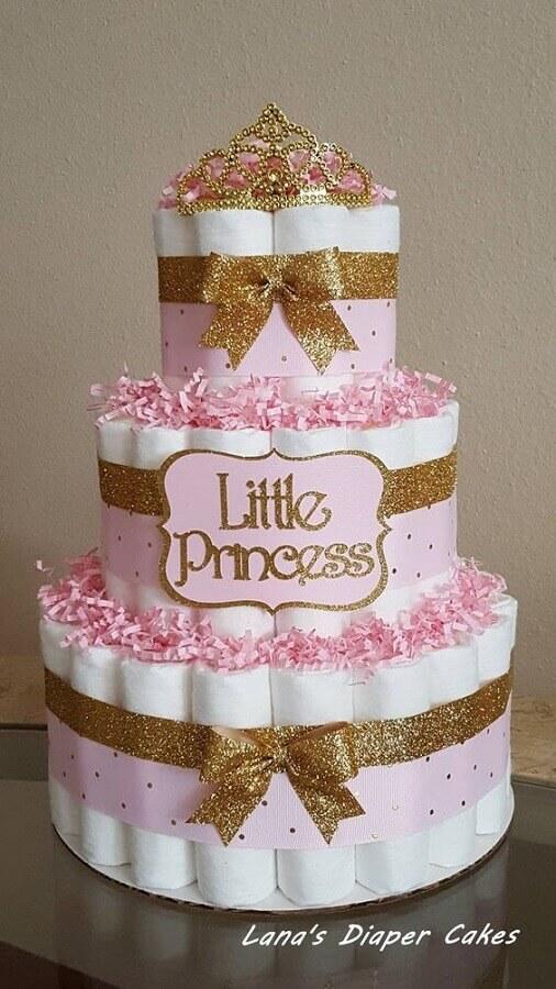 decoração para chá de fraldas com bolo fake Foto Lana's Diaper Cakes