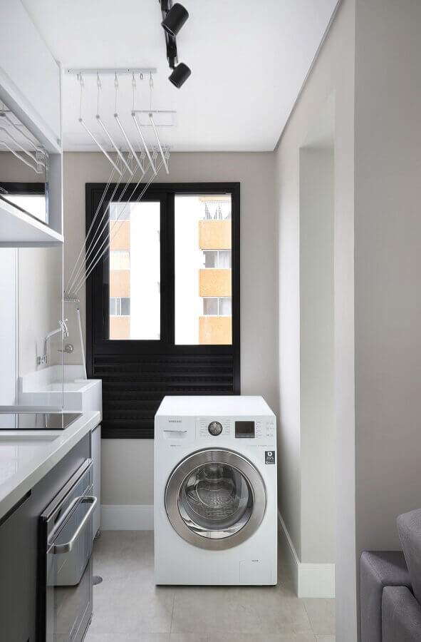 decoração para lavanderia pequena branca com máquina de lavar e secar roupas Foto Inside Arquitetura e Design