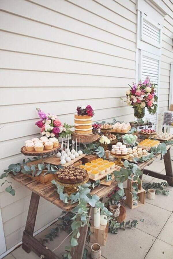 decoração rústica para mesa de guloseimas simples Foto Sweet Style