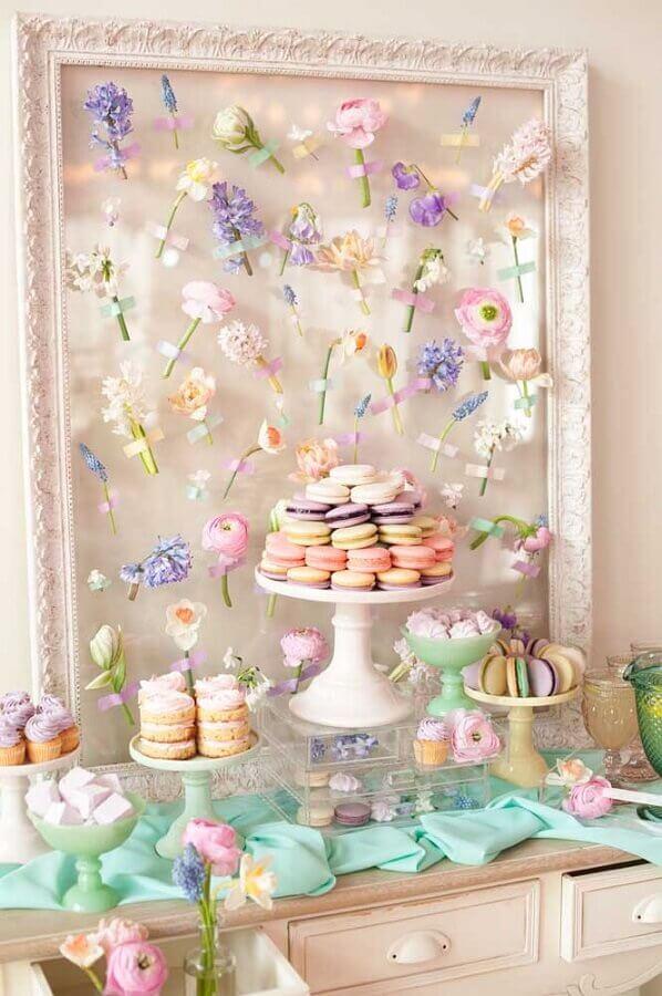 decoração romântica para mesa de guloseimas em tons pasteis Foto Raquel de Carvalho