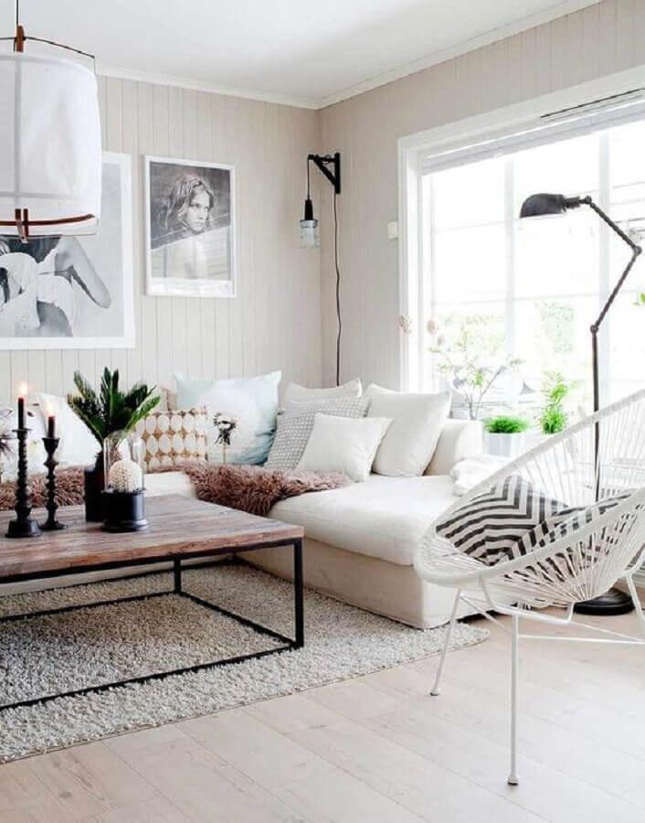 decoração sala de estar com sofá branco de canto e mesa de centro de madeira Foto Foto Futurist Architecture