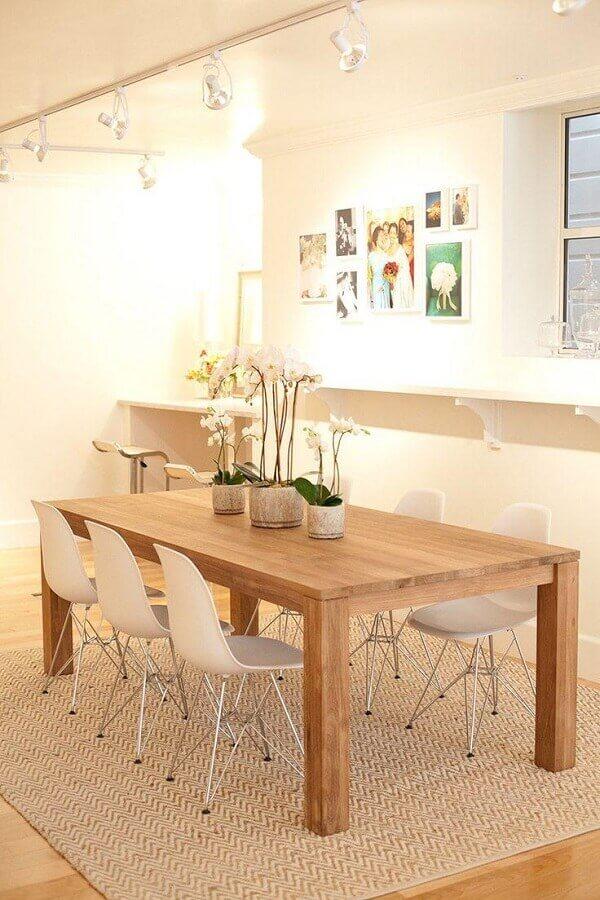 decoração simples com mesas de madeira para sala de jantar Foto Apartment Therapy