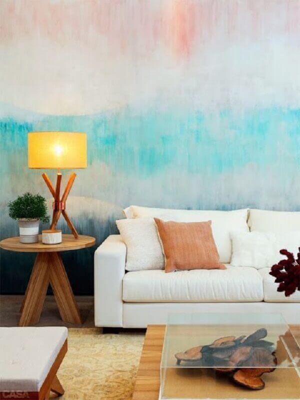 decoração simples com sofá branco e parede colorida Foto Blog Achados de Decoração