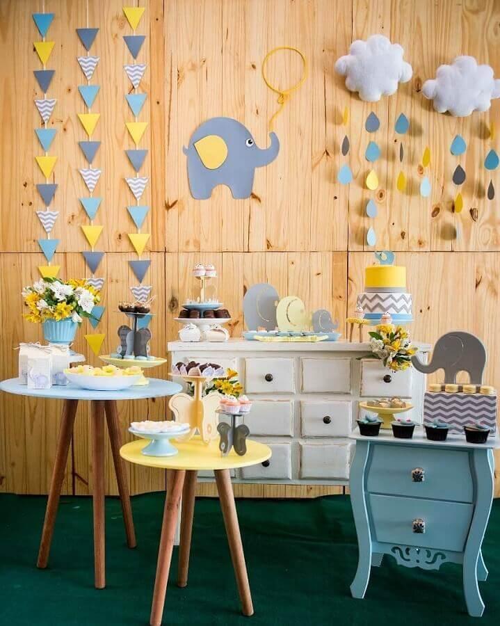 decoração simples e barata chá de fraldas com tema elefantinho  Foto 3 em ação festas