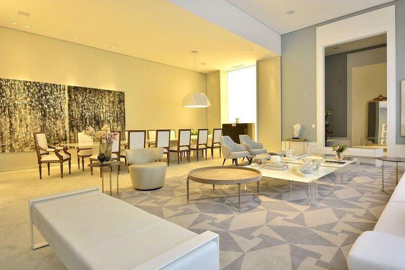 decoração sofisticada com tapete geométrico cinza para sala ampla Foto Casa Cor 2016