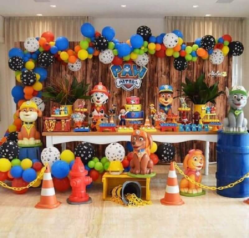 decoração tema de aniversario patrulha canina Foto Bolinho com Tema