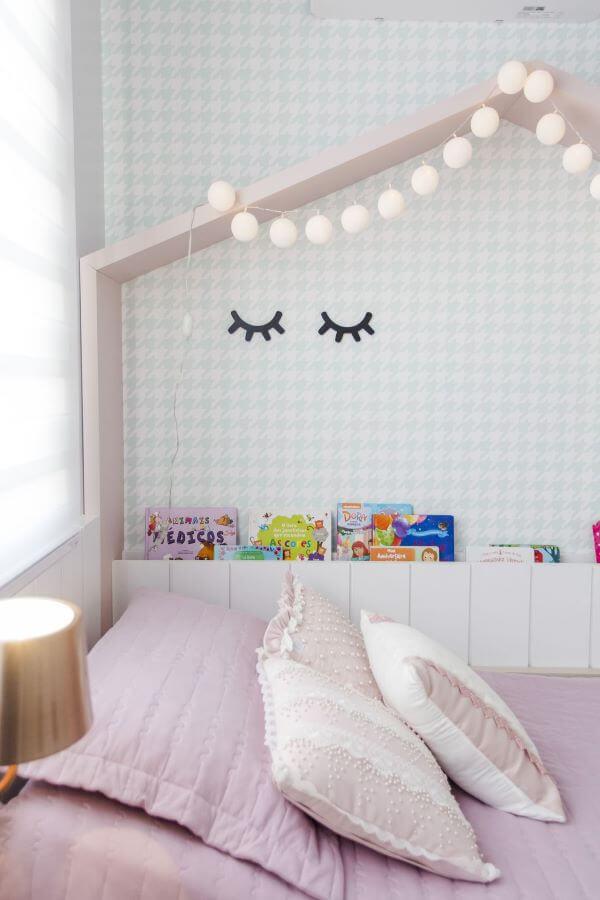 Decoração de quarto de menina com cama casinha
