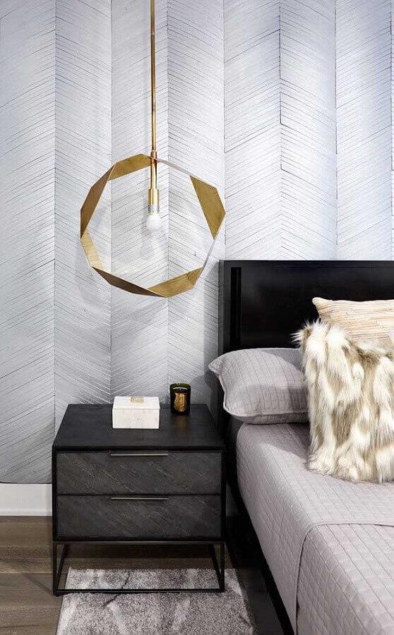 design arrojado de pendente para quarto com acabamento dourado Foto Pinterest