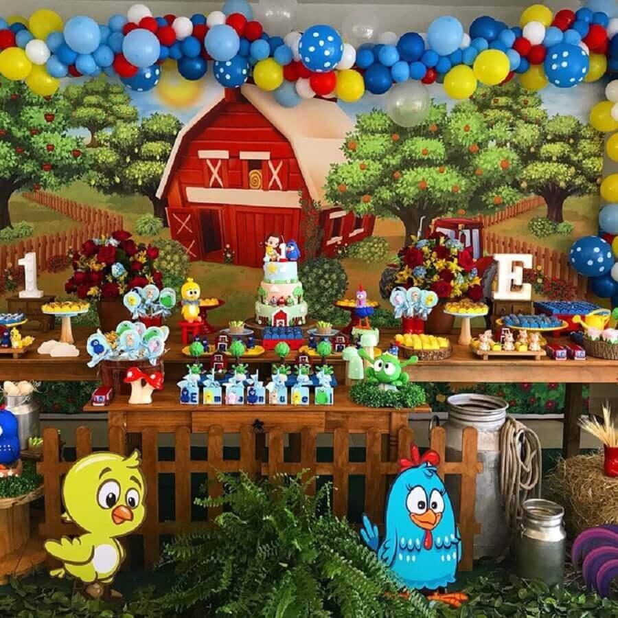 detalhes para decoração de festa da galinha pintadinha Foto Camila Muzy Regly Festas Personalizadas