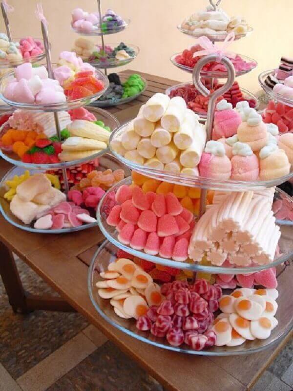 diversos tipos de jujuba para mesa de guloseimas simples Foto Pinterest