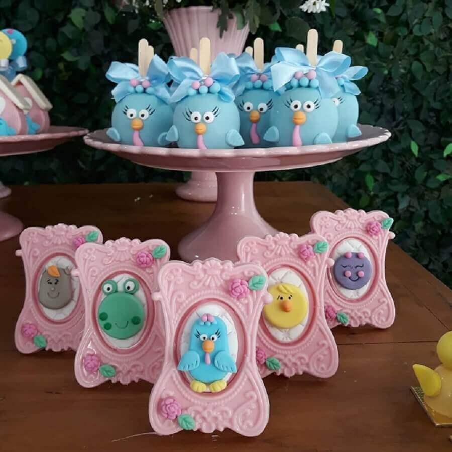 docinhos personalizados para festa da galinha pintadinha rosa Foto Rafaela Carmona Doces